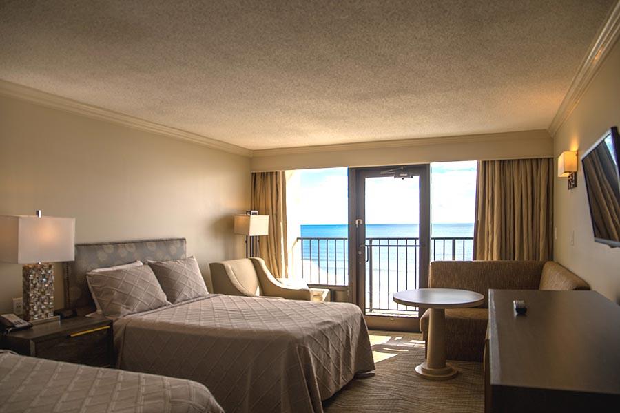 Double Room at Windjammer Inn