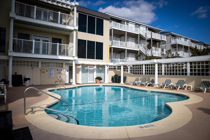 The pool at The Windjammer Inn, Atlantic Beach NC