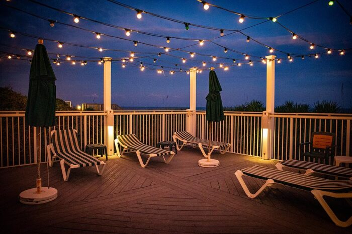 Upper deck at The Windjammer Inn, Atlantic Beach NC